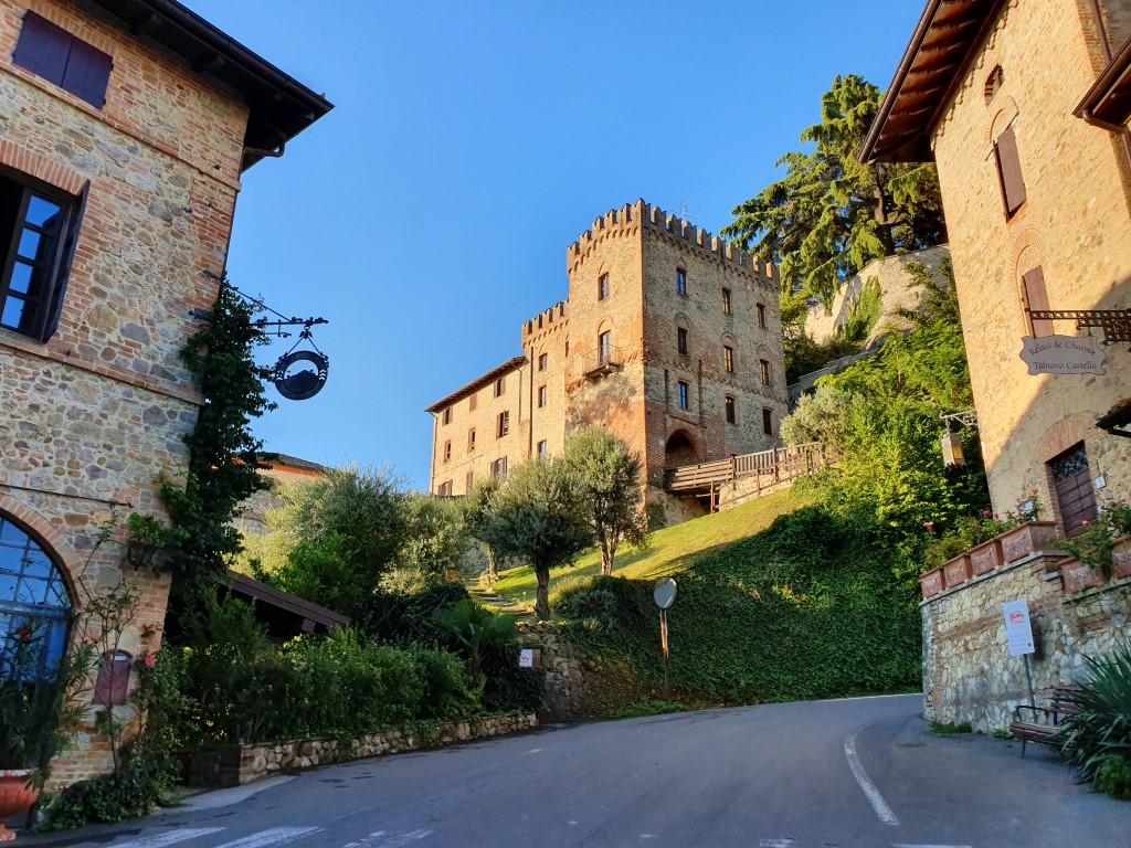 Hannibal bike odyssey tour castle accommodation
