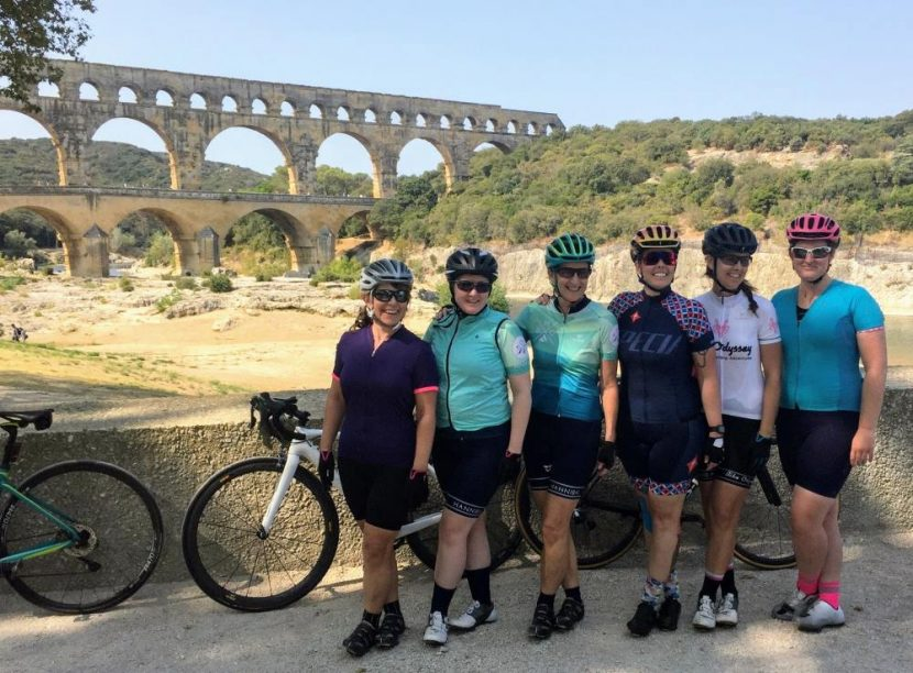 girls bike tour pont du gard